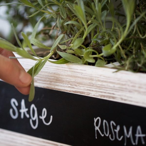 5 Ways To Label Your Kitchen With Chalkboard Tape