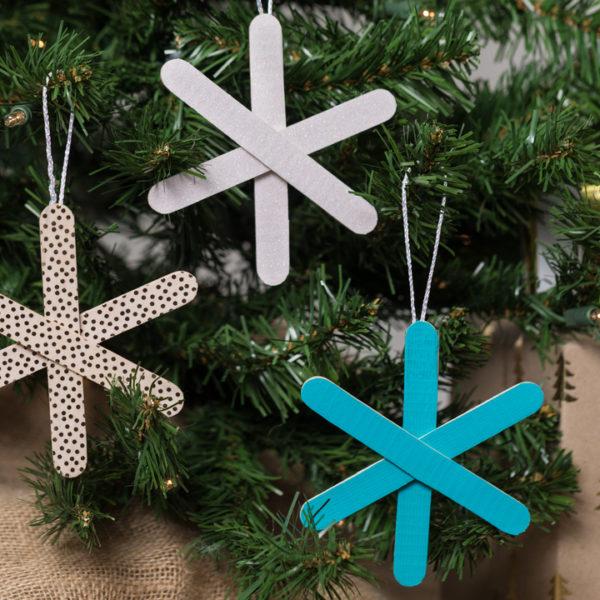 5_Holiday-Hacks-Kids-Crafts-Snowflake-Ornament.jpg#asset:6819:tile