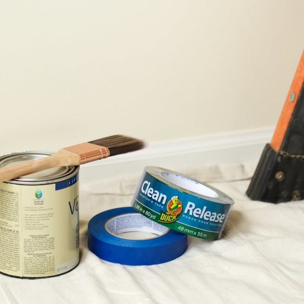 Applying and Removing Duck® Brand Painter's Tape