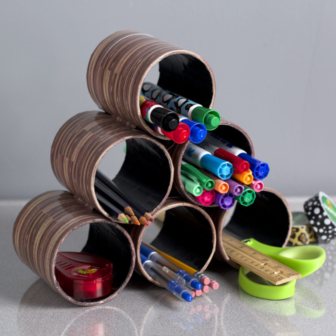 Completed Duck Tape® Desk Organizer full of pens