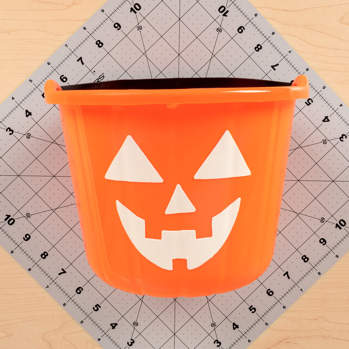 2018 Cdt Glow In The Dark Pumpkin Treat Buckets Step 4