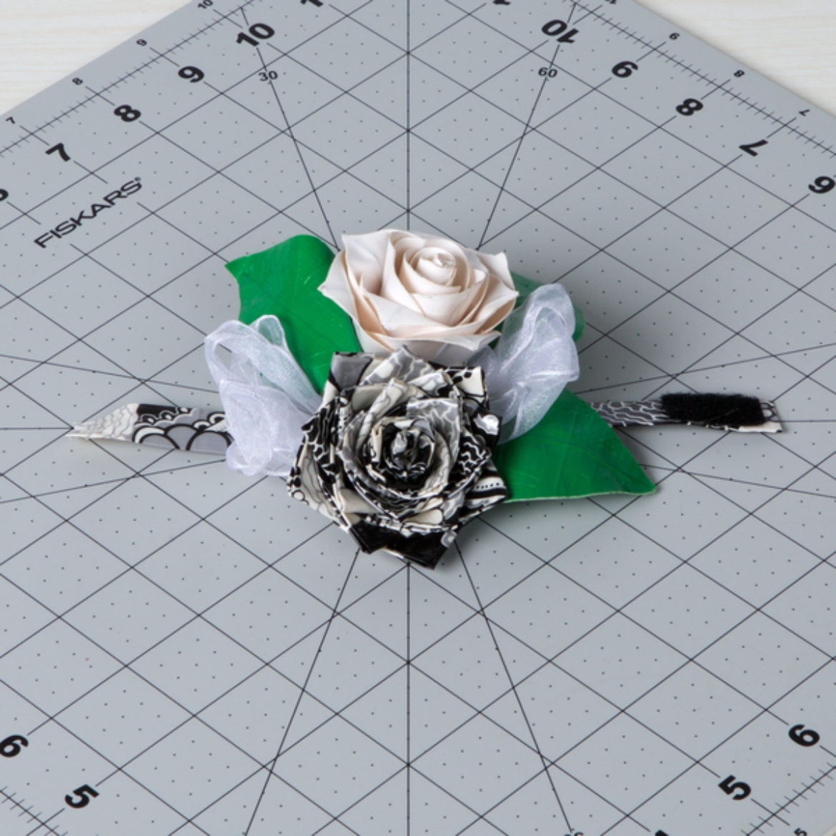 How To Duck Tape Prom Corsage Duck Brand