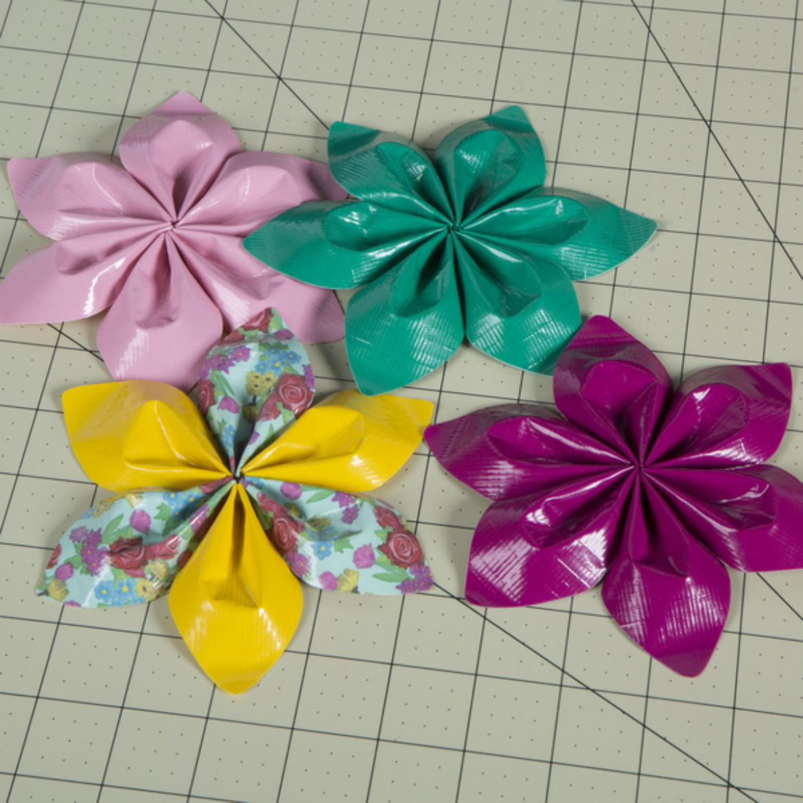 previous steps repeate to make more flowers of varying colors