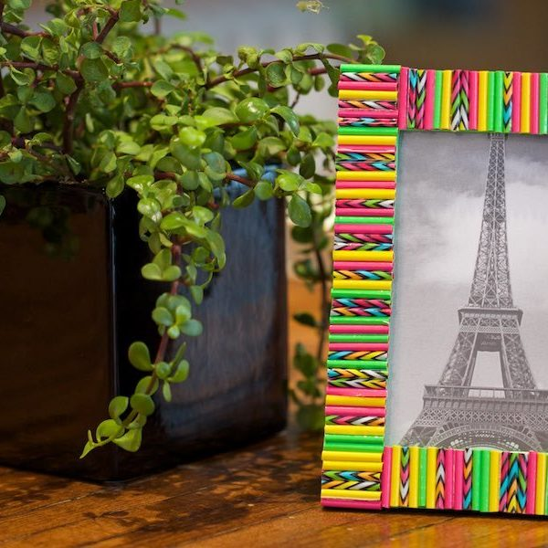 Duck Tape Crafts How To Make A Straw Picture Frame With Laur Diy