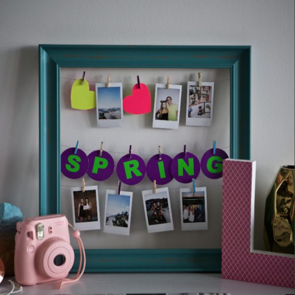 Completed Duck Tape® Wire Picture Frame